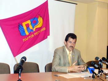Голова Ужгородської міської організації Партії Регіонів України Юрій БЕЛЯКОВ