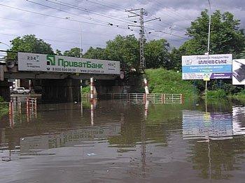 В затоплении Ужгорода виновата не стихия...