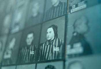 В Венгрии Чарльз Зентаи/Charles Zentai (Zentai Kаroly) обвиняется в преступлении против человечности в годы Второй мировой войны.