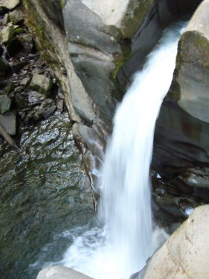 Водопад неподалеку Лумшор , заставит Вас забыть про все проблемы