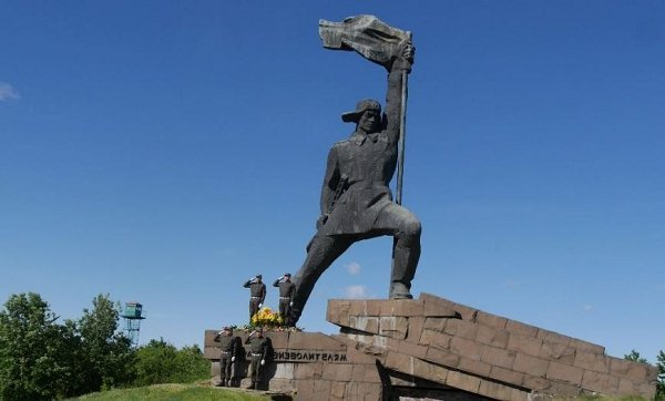 В Ужгороде почтили память погибших во Второй мировой войне