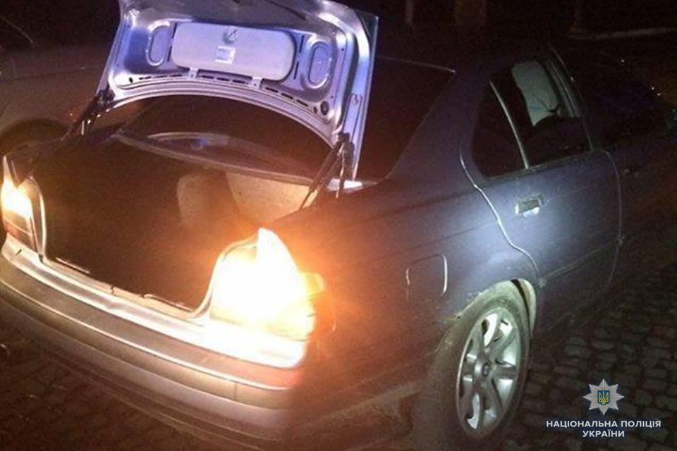 Поліція Закарпаття розпочала кримінальне провадження за фактом зберігання наркотиків у Хусті