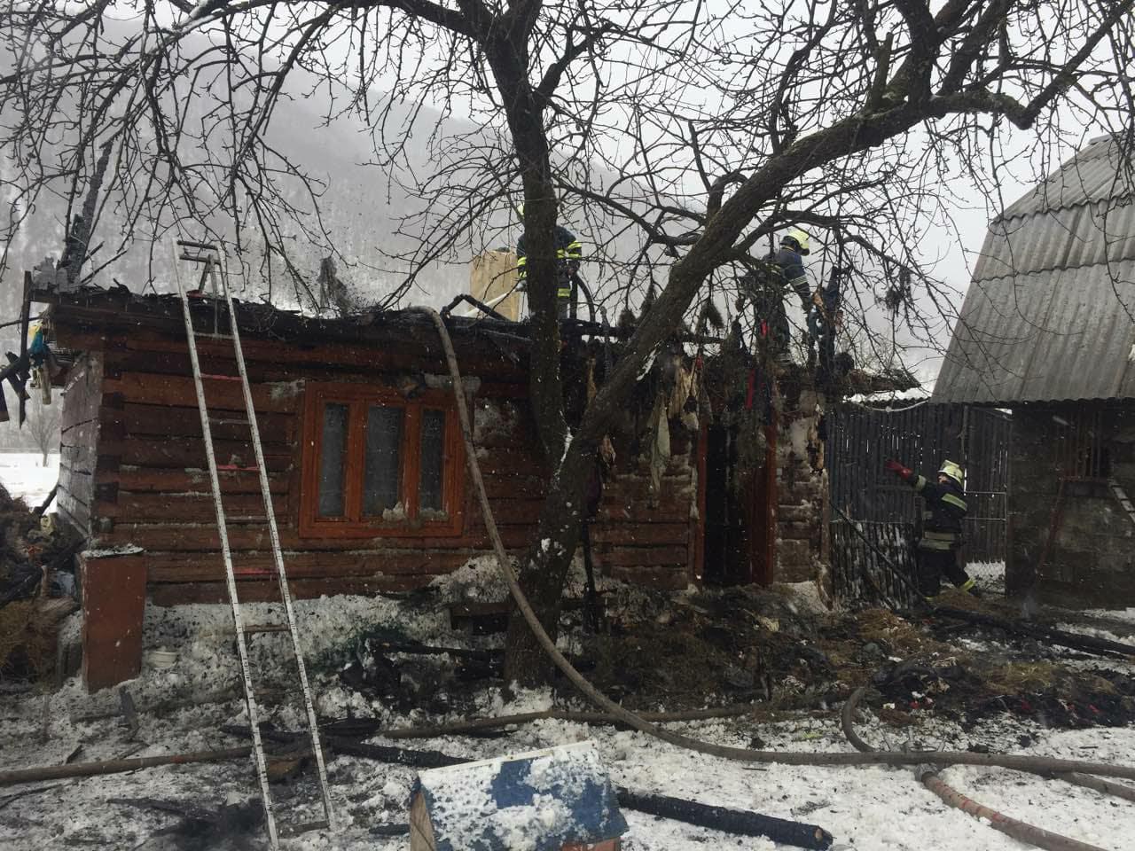 Упродовж доби вогнеборці Закарпаття ліквідували 4 пожежі в надвірних спорудах