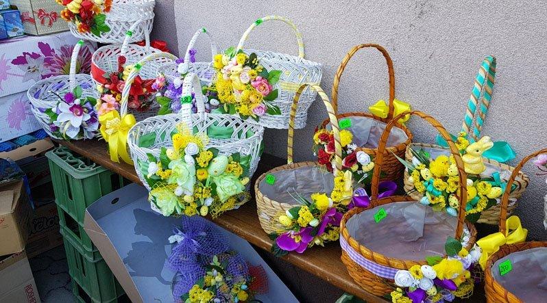 Які Великодні корзини в Ужгороді модні в цьому році і скільки вони коштують