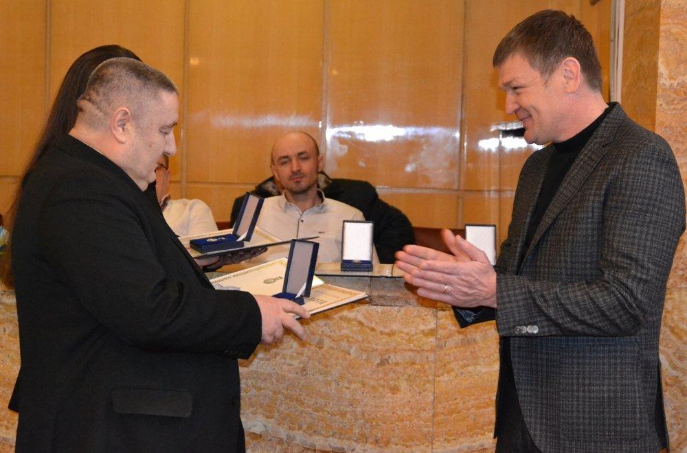 Високі нагороди закарпатцям вручив народний депутат України Роберт Горват