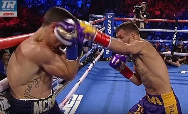 Василий Ломаченко сломал руку во время нокаута британского боксера Кроллы