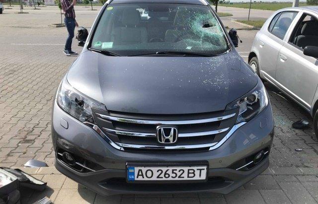 Кадры повреждённых в венгерском Дебрецене авто опубликовали в сети FACEBOOK: Разыскиваются владельцы из Закарпатья