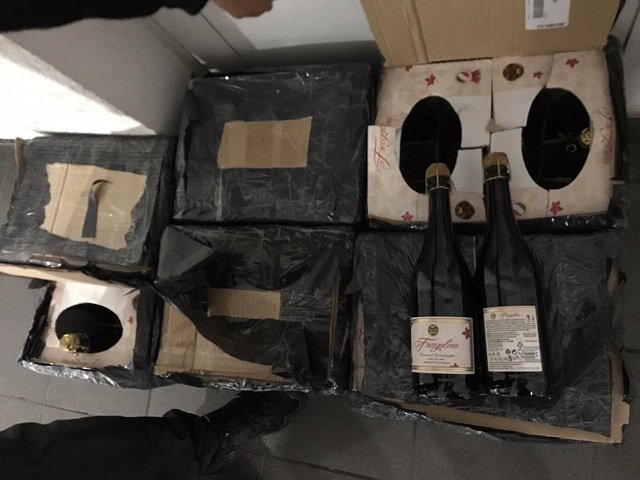 От гироборда до зубных щеток – товары, которые конфисковали таможенники в течение выходных на КПП Тиса в Закарпатье