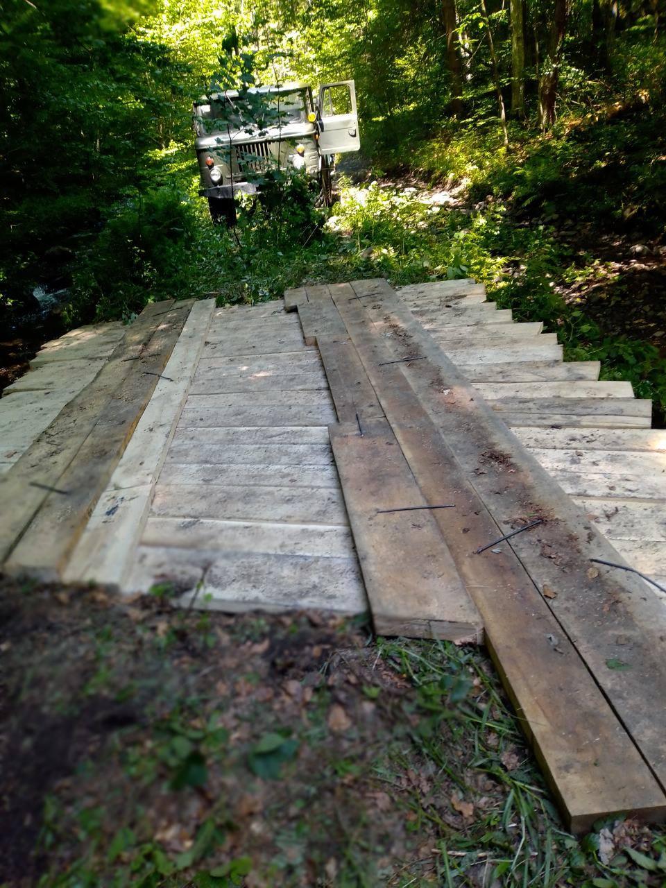 Закарпаття. Лісівники взялись за ремонт лісових мостів Іршавщині