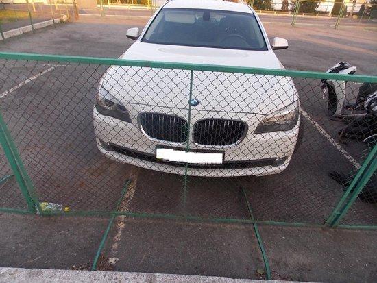 На таможне задержан сомнительный «BMW»
