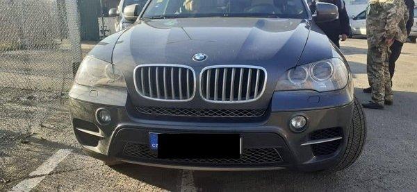 База даних Інтерполу спрацювала у іпункт пропуску «Вилок» на викрадене за кордоном авто