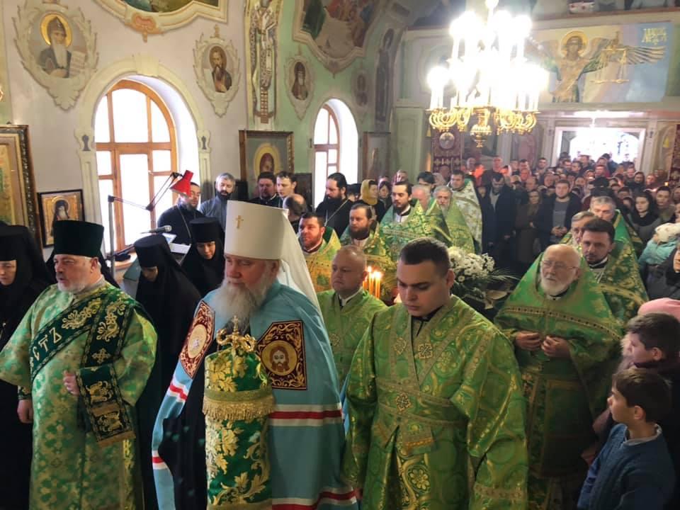 Престольне свято Серафимівської чернечої обителі вшанували на Закарпатті