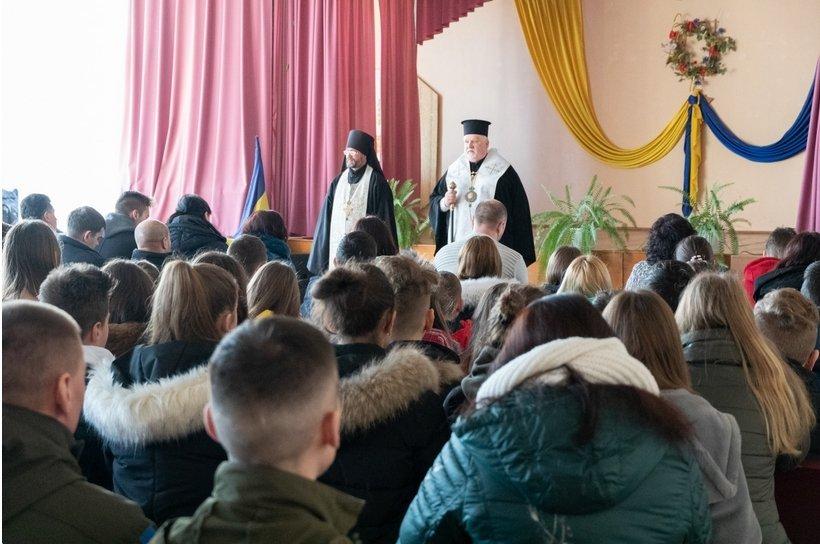 В Ужгороді відкрили меморіальну дошку загиблому герою АТО Василю Варзі