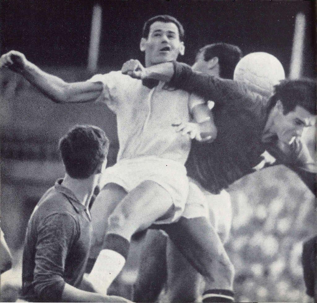 Відомий ще з часів СРСР футболіст і тренер із Закарпаття народився 29 лютого