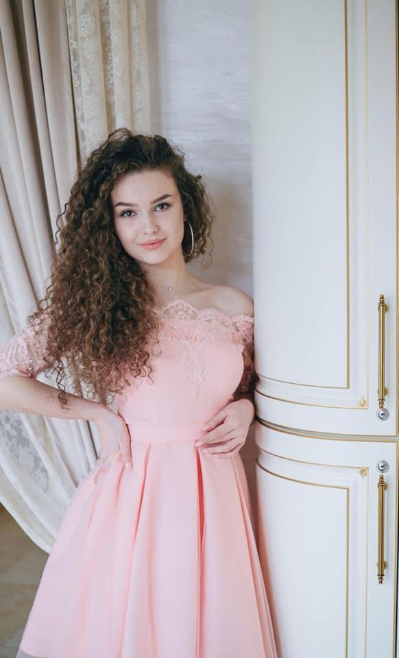"""""""Мінеральний"""" район Закарпаття обиратиме свою найкрасивішу дівчину 2020 року"""