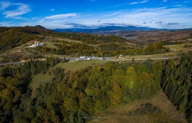 Золоту осінь в горах Закарпаття показали з небес