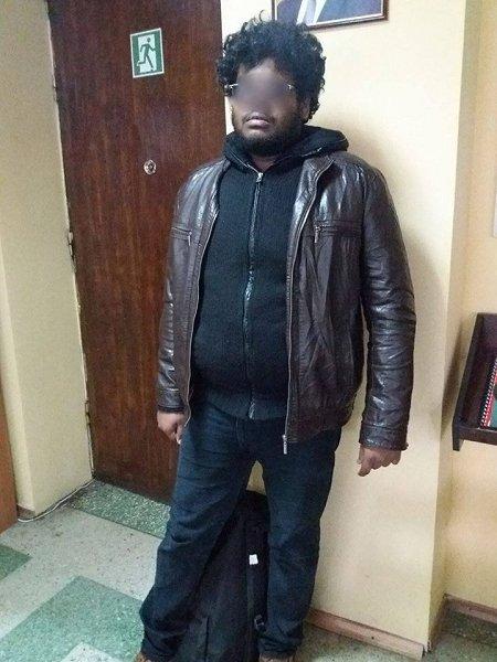 В Чопе пограничники задержали гражданина Индии без документов