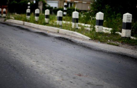 Асфальт на объездной в Мукачеве не продержался и года