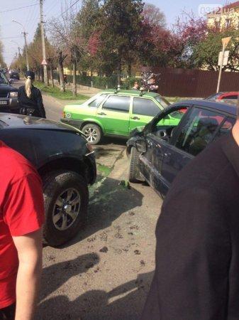 В результате ДТП автомобиль Ford Fusion столкнулся еще и со Skoda Oktavia