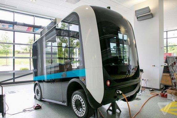 Беспилотный напечатанный на 3D-принтере автобус