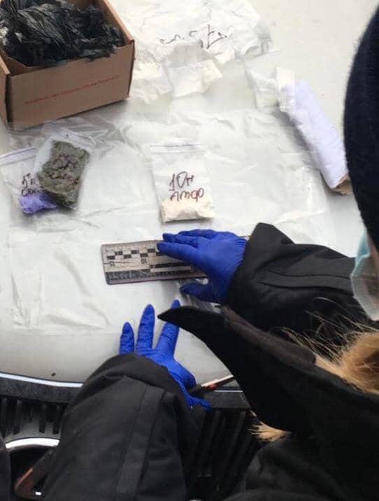 В Ужгороде распространяли тяжелые наркотики, которые часто приводят к самоубийцу и передозировке
