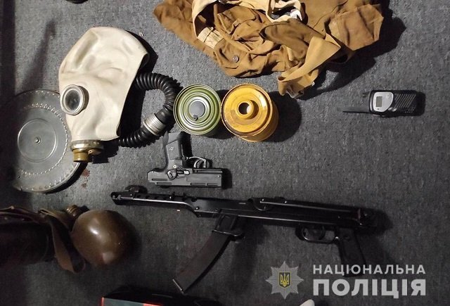 Оружие, наркота, деньги: В Закарпатье провели масштабные обыски у наркоторговцев