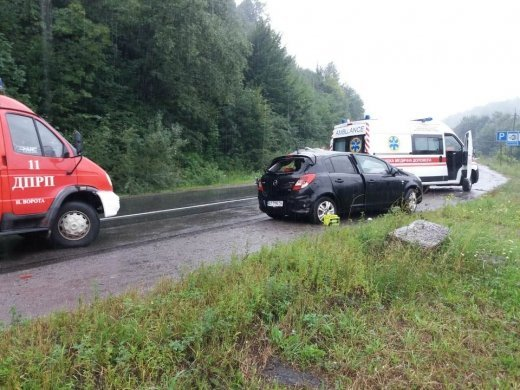 Опубликованы фото с места страшной аварии в Закарпатье