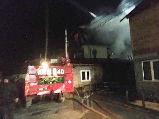 Масштабный пожар в Закарпатье: Дом священника полностью уничтожен, кадры словно из фильма ужасов