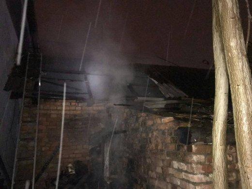 В одном городе на Закарпатье одновременно пылили два здания