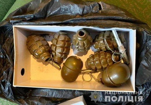 В Закарпатье обыск квартиры привел к ошеломительным результатам: Оружия хватит на армию