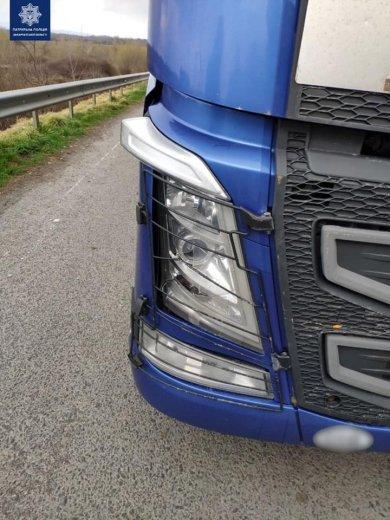 В Закарпатье пьяный водитель фуры спровоцировал ДТП