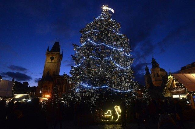 Рождественская ель в Праге, Чехия.