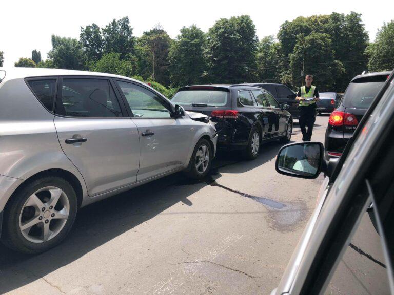 В Ужгороде возле транспортного моста ДТП: На месте пробки