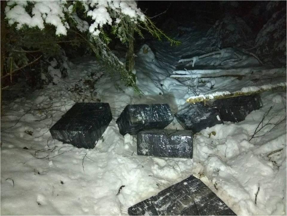 На Закарпатье пограничники обнаружили шесть покинутых пакетов с сигаретами