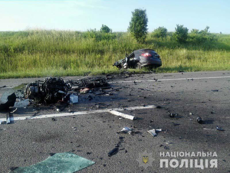 "Водители погибли на месте: На трассе ""Киев-Чоп"" лобовое столкновение"