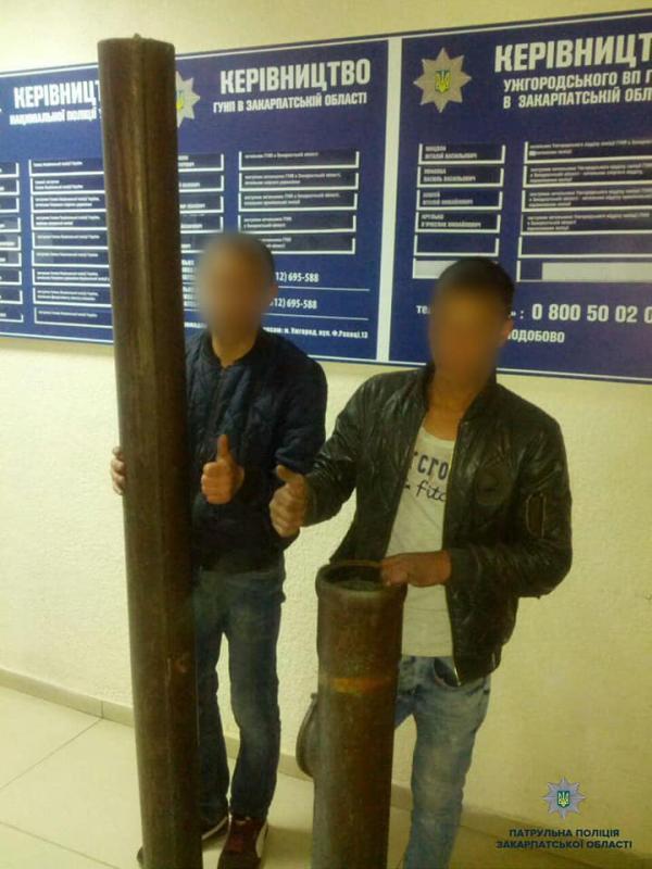 В Закарпатье на одном из вокзалов внезапно исчезли две водосточные трубы