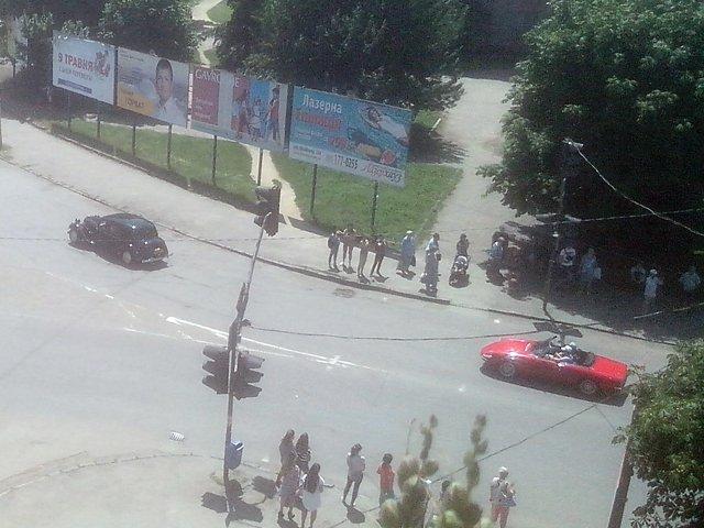 Сотня ретро автомобилей из соседних стран уже в областном центре Закарпатья