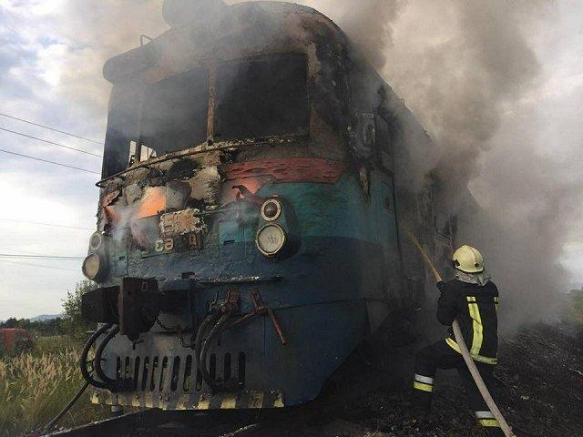 Закарпатье: В пригородном поезде возник пожар