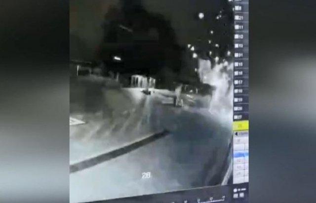 """З'явився запис моменту обстрілу з гранатомету будівлі """"Аква сіті"""" у Мукачево"""