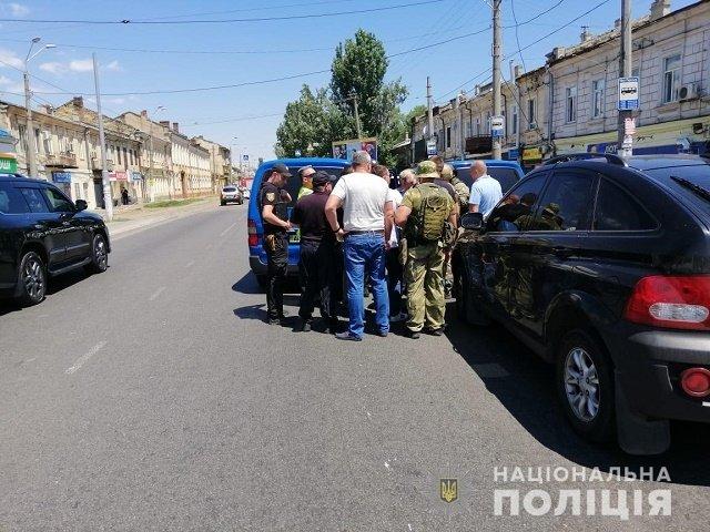 """В Одессе полиция ввела в действие спецоперацию """"Гром"""": Бандита задержали"""