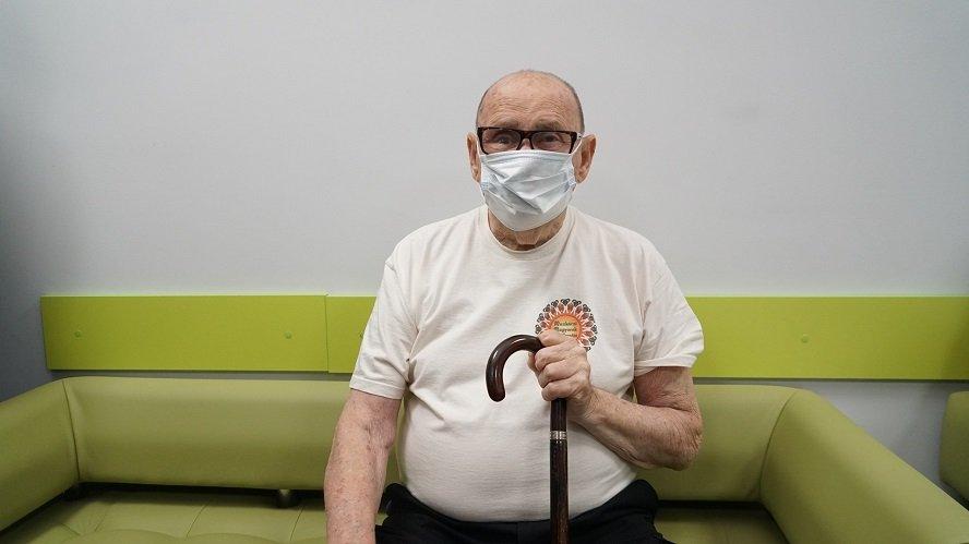 В Мукачево пришел за второй дозой вакцины 91-летний мужчина