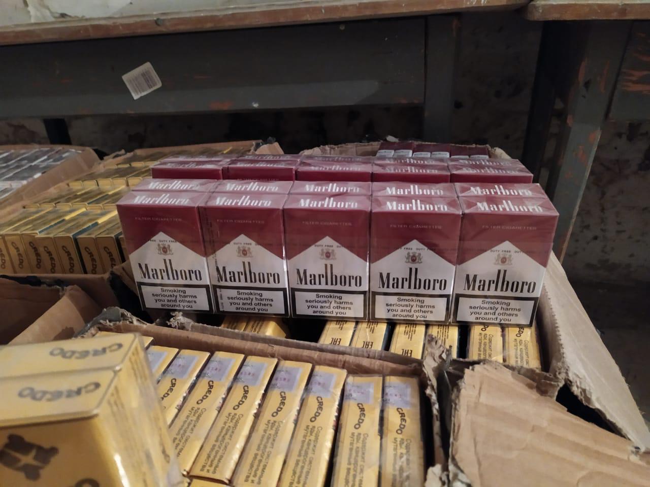 Стражі кордонів Закарпаття завадили контрабанді за кордон майже чотирьох тисяч пачок сигарет