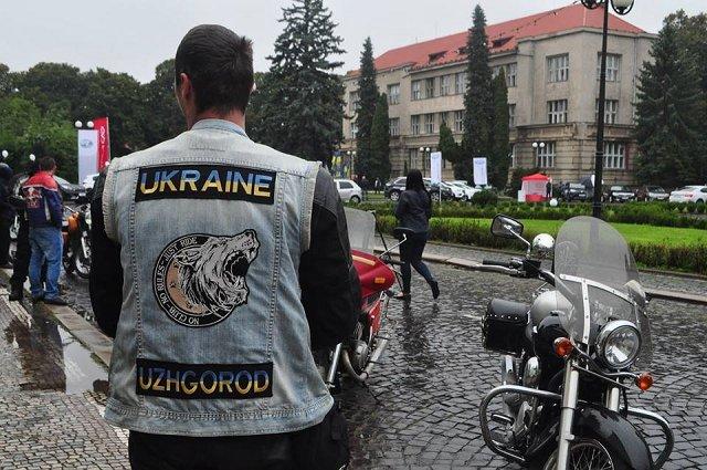 В честь Дня Ужгорода байкеры устроили заезд по городу