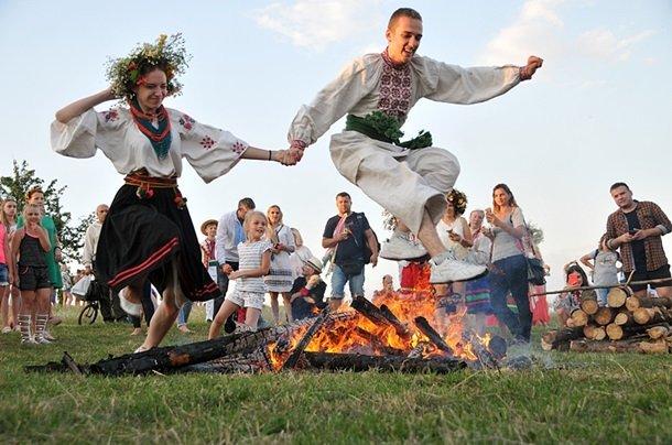 Україна сьогодні святкує Іванів день, або Іван Купала