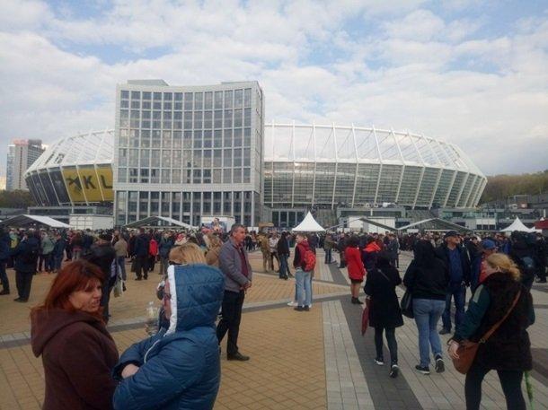 Зеленский уверенно выиграл дебаты у Порошенко