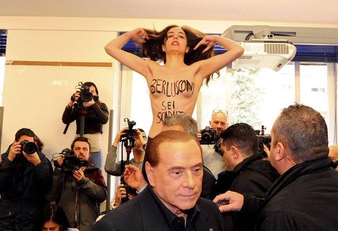 Выборы в Италии: Femen разделась перед Сильвио Берлускони