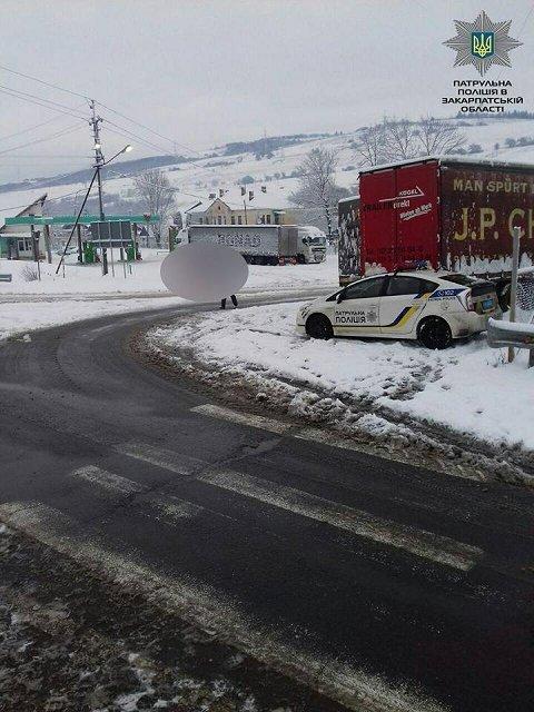 Проезд по автодорогам Закарпатья происходит в привычном режиме
