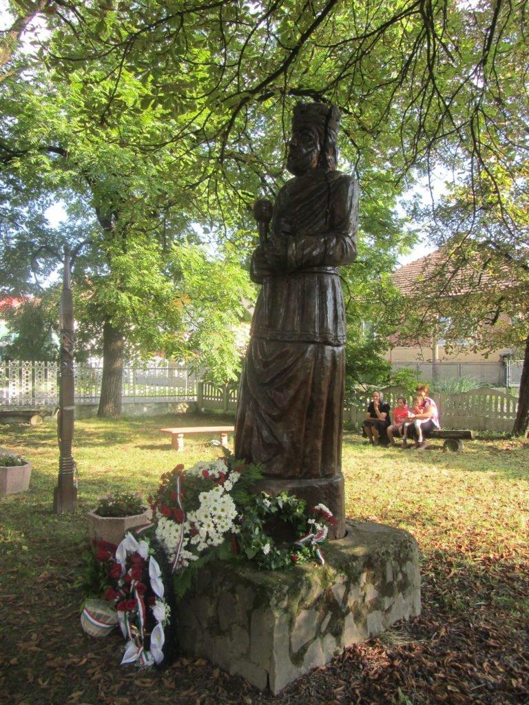 Закарпатські угорці вшанували заснування материнської держави