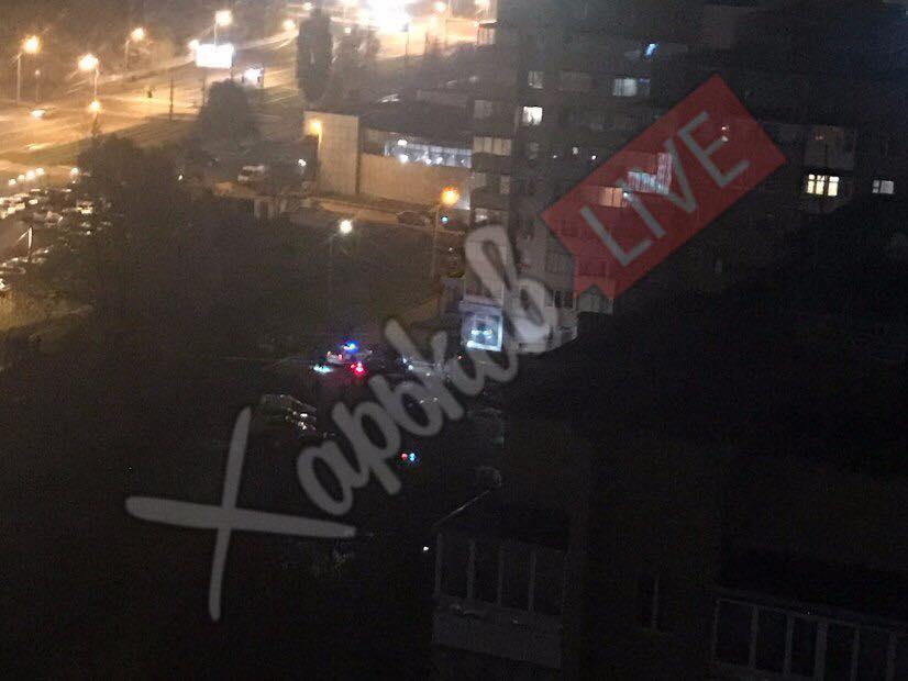 В Харькове киллер расстрелял машину, есть жертвы