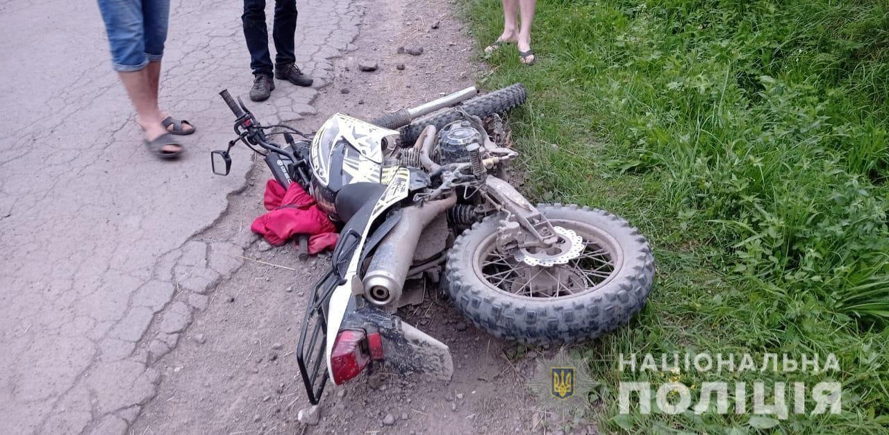 В Закарпатье подростки устроили смертельный хаос на дороге: Погиб 17-летний парень, другой доставлен в больницу